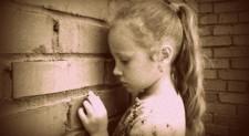 Perché è sbagliata la comicità sui disagi dei bambini