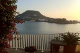 Una giornata a Bacoli, tra orti di mare e l'osteria resistente La Catagna